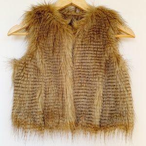 Yoki NWT Faux Fur Vest